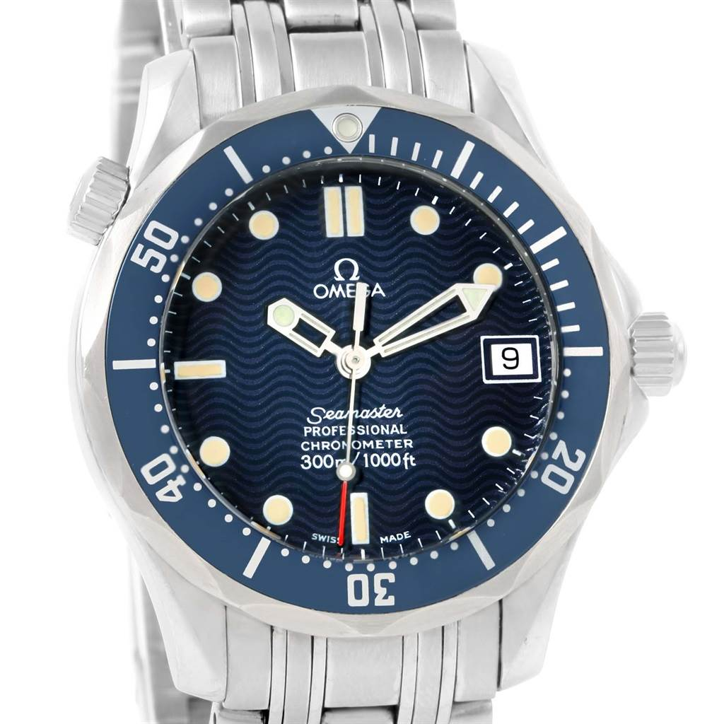 omega seamaster midsize blue wave dial unisex watch 2551 80 00 rh swisswatchexpo com omega watch value guide Omega Seamaster Gold Watch